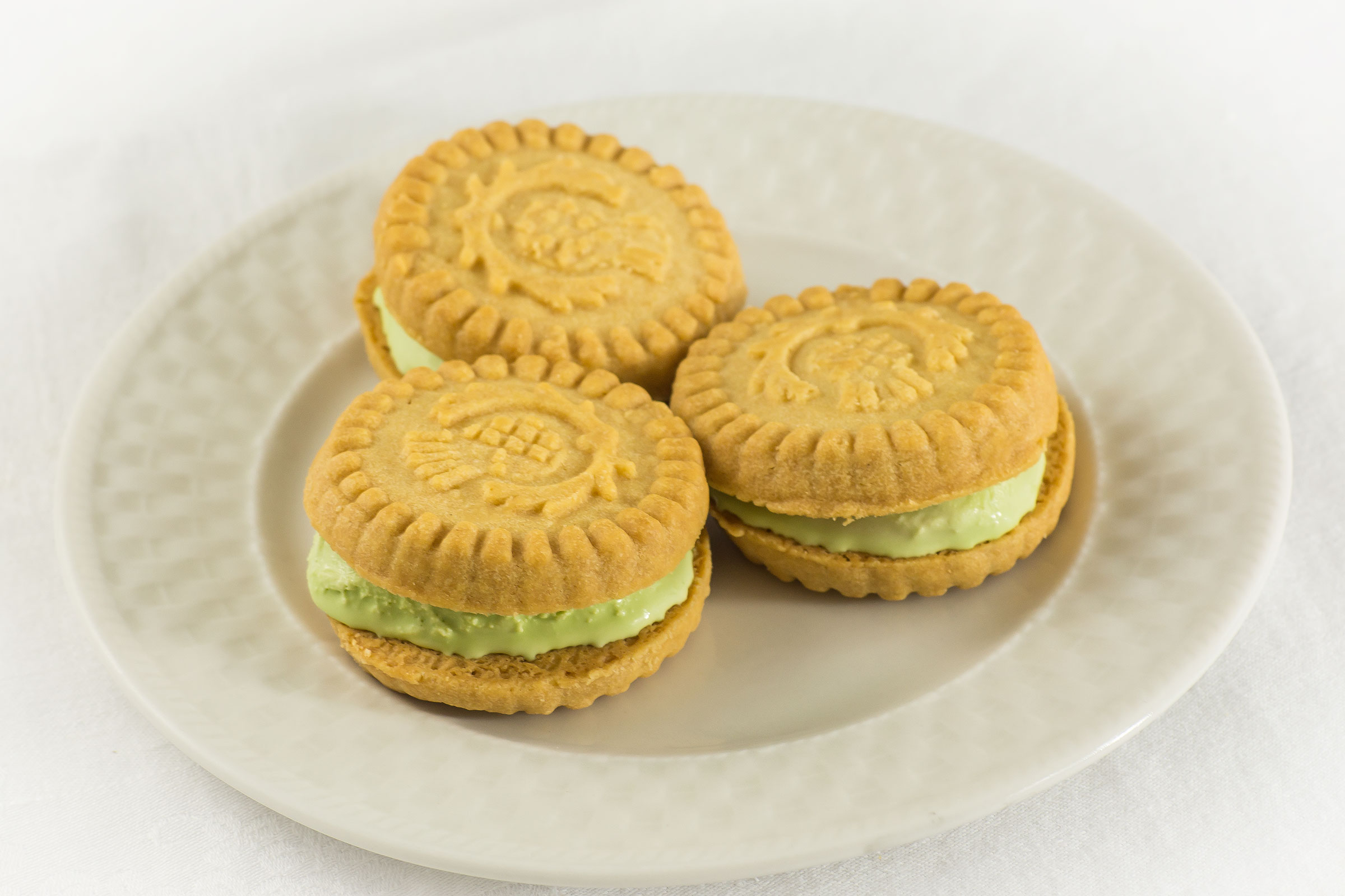 ... Simplified With Classic Walkers Shortbread - The Daily Tea