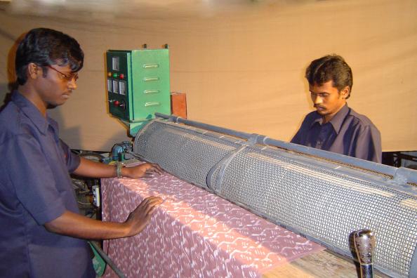 Srishti Naturals Dye Workers